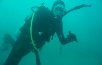 Chelsea Bergman SCUBA diving